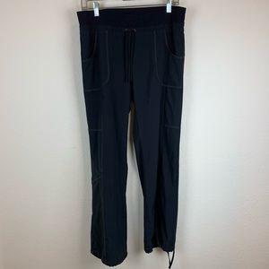 Athleta   Womens black thin cargo city pants 8